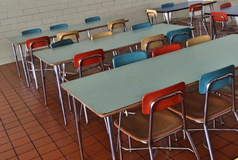 Kouluruokailu koululuokka