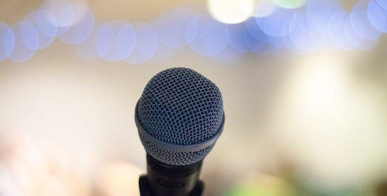 Viestintätaidot mikrofoni