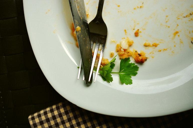 Tyhjä lautanen asiakaspalvelu